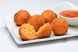 Hushpuppies with sauce